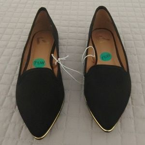 ✨NWOT✨REPORT BLACK POINTED TOE FLAT WITH GOLD TRIM